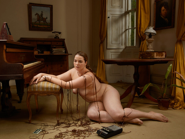 nude woman all the way nude pics
