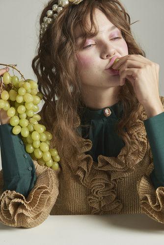 LOUISA ARTISTS Stylist Alessa Kapp for the JUTE MAGAZINE
