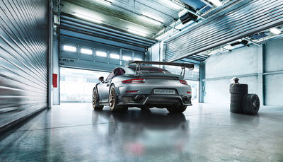 ROCKENFELLER & GöBELS: UWE BREITKOPF'S INTERPRETATION PORSCHE 911 GT 2 RS