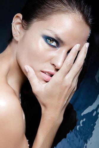 "SHOT FOTOGRAFIE Katja Schubert Beauty Editorial ""Into the blue"" for Lucy's Magazine"