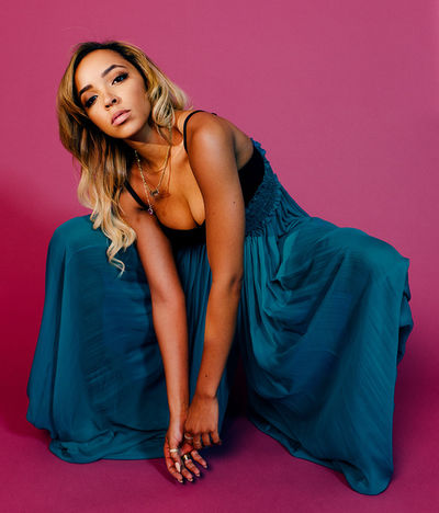GIANT ARTISTS : João Canziani photographed singer Tinashe for Vulture