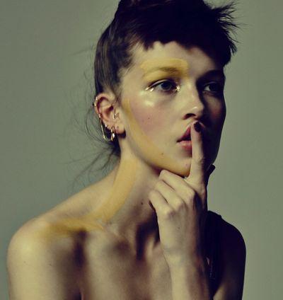 BALLSAAL : Loni BAUR (Make-up) for GLAMOUR BEAUTY BOOK