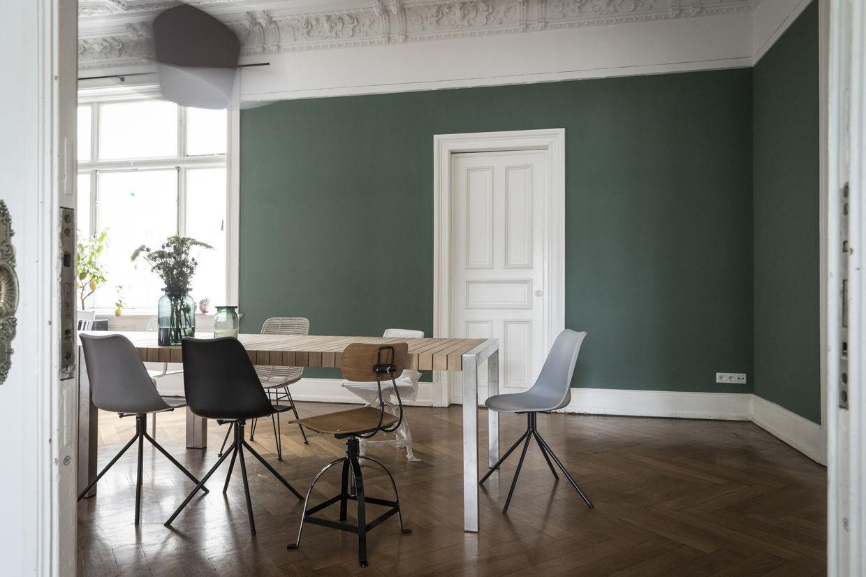 Konstantin Eulenburg Fotografiert Neue Tapeten Kollektion Legends