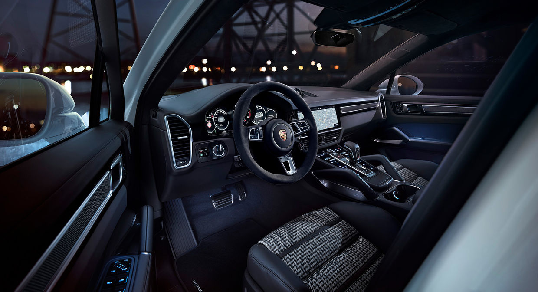 Cayenne Turbo S E-Hybrid Coupé by Stephan Romer