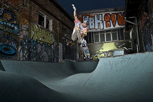 AVENGER PHOTOGRAPHERS : Stev BONHAGE