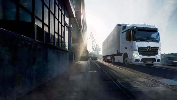 KLAUS STIEGEMEYER: Johannes Kühn for Mercedes Benz Trucks