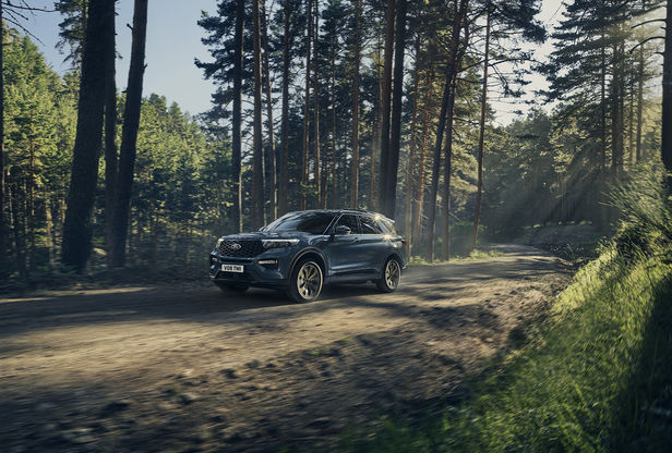 ROCKENFELLER & GöBELS: PATRIK JOHALL FOR FORD EXPLORER