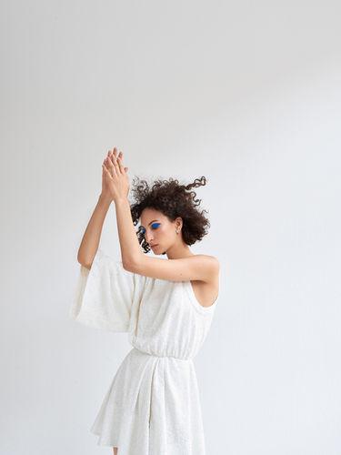 LIGANORD ARTIST ANNA BRYLLA / HAIR MAKE-UP - L'OFFICIEL