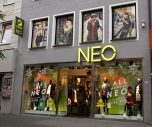 adidas neo outlets in delhi