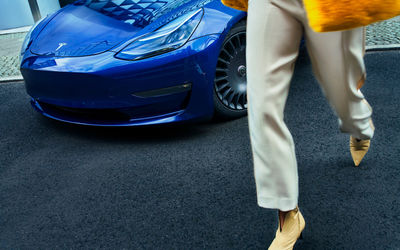 ANATOL GOTTFRIED captures an eclectic series for THE NEW AERO in Berlin putting in style Tesla Model 3 Rims