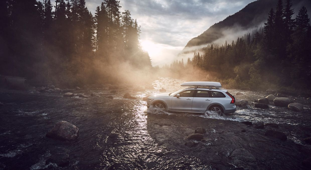 SUPERSTUDIO : VOLVO V90CC OCEAN RACE EDITION – PHOTOGRAPHED BY PATRIK JOHALL