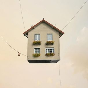 Galerie Paris-Beijing / Paris : Flying Houses by Laurent Chéhère