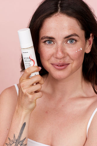 OFFENBLENDE: Kathleen for Hello Body Cosmetics