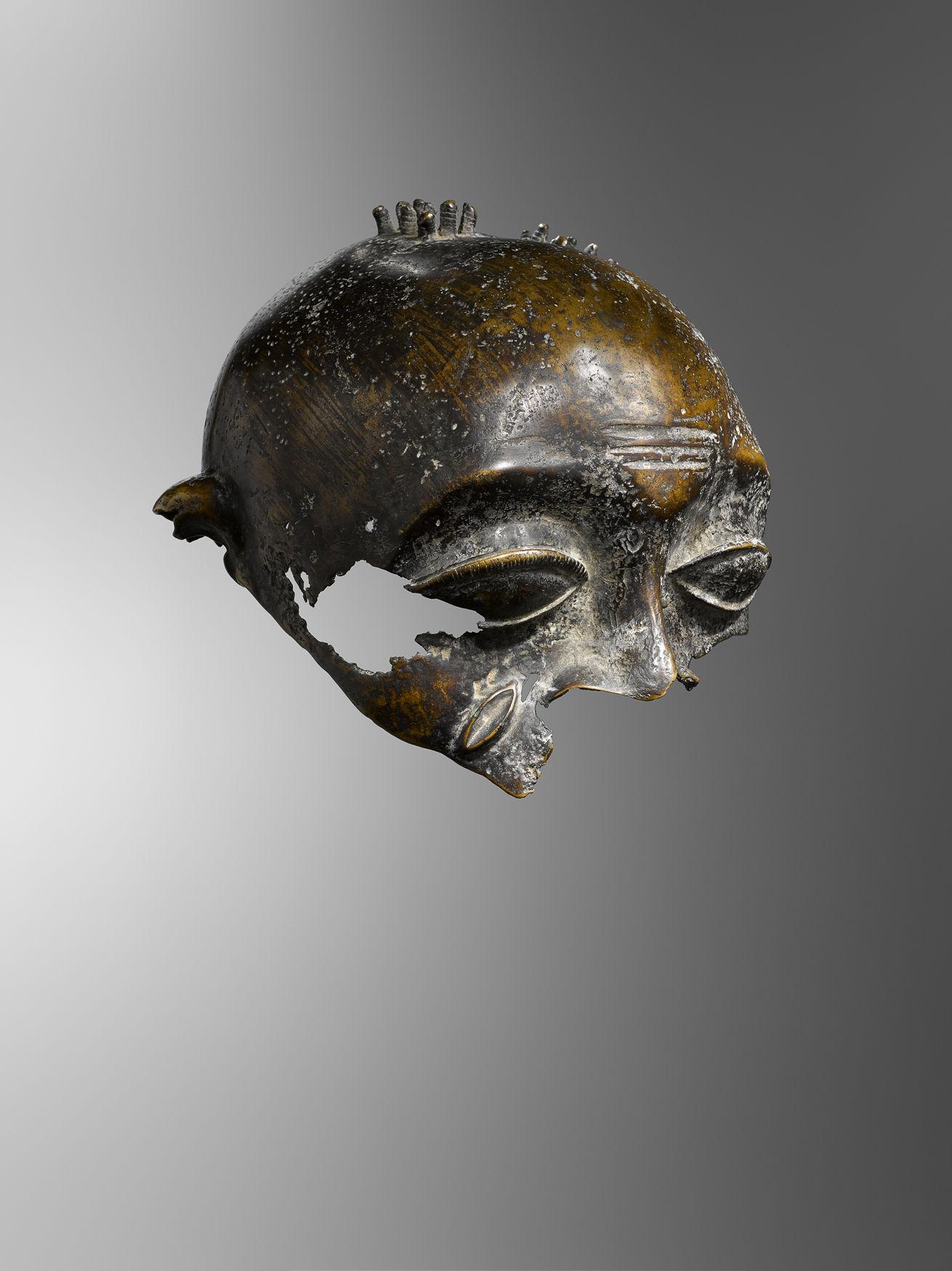 GOSEE ART -  Tête Akan de taille humaine / LUCAS RATTON Art Tribal