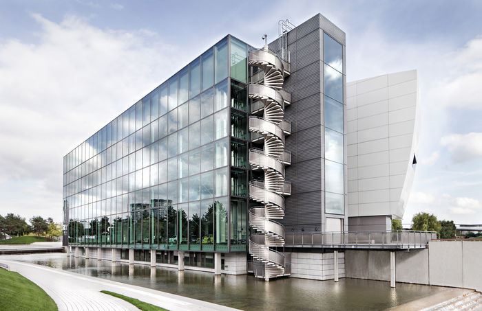 NILS HENDRIK MUELLER, Architecture Photography & Imagepool for Autostadt