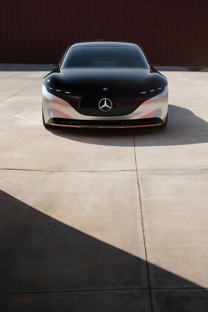 EMEIS DEUBEL: Tim Adler shoots the new Mercedes-Benz VISION EQS