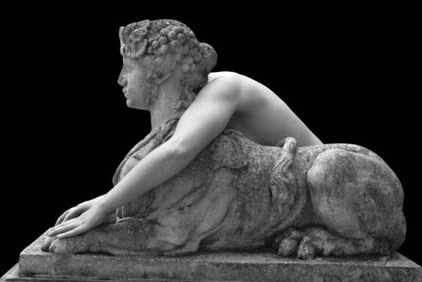 Huis Marseille presents 'Viviane Sassen - Venus & Mercury' (01.06.2020 — 30.08.2020)