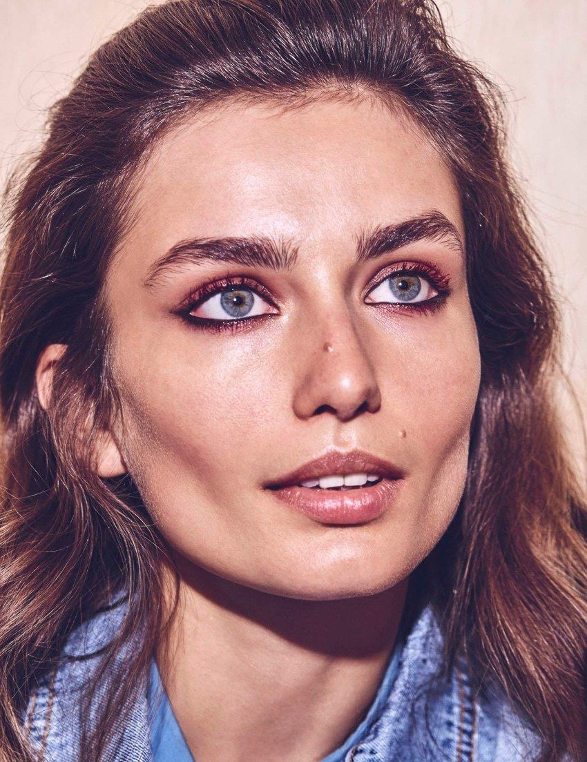 PRODUCTION BERLIN Vogue Mexico August 2017 Andreea Diaconu by Chris Colls