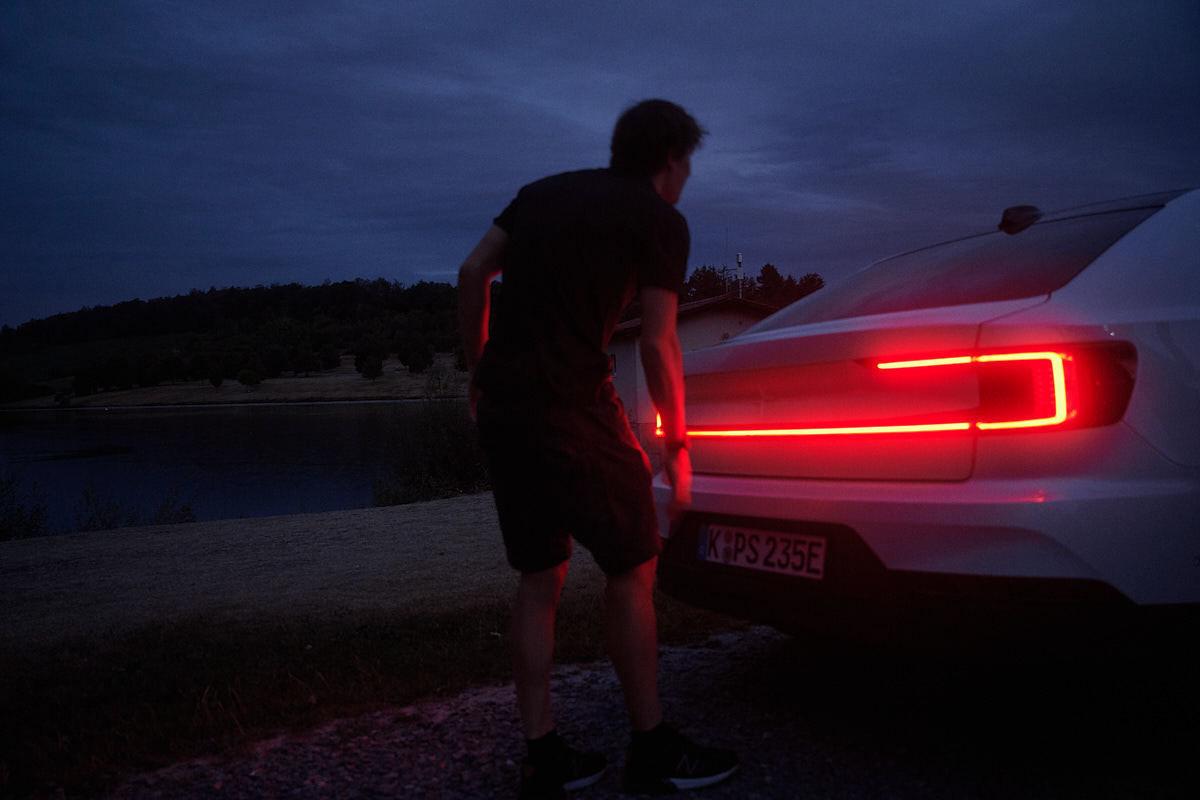 WILDFOX RUNNING: Manuel Nagel for Polestar with Sebastian Kienle