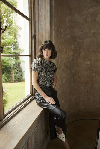 HILLE PHOTOGRAPHERS: FRENCH Look by Photographer NICOLE NEUMANN
