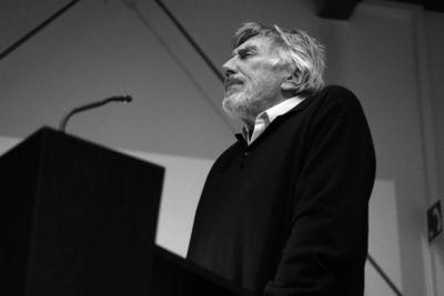 "Christian Brückner reading ""Ilias"" .."