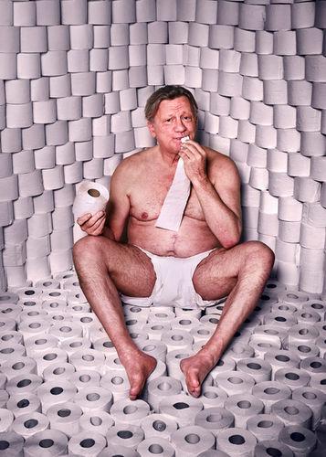 MANU AGAH photographs 'THE TOIPAPER PROJECT' - HANNES HELLMANN - actor