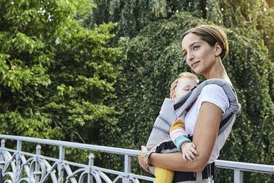 MIRIAM LINDTHALER. MANDUCA XT. Babycarrier