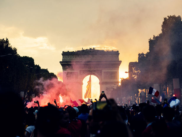 João Canziani c/o GIANT ARTISTS transports us to the streets of Paris after France's victory at the World Cup final.