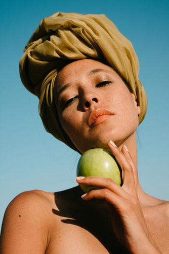CHRISTA KLUBERT PHOTOGRAPHERS: apricotberlin with 金魚
