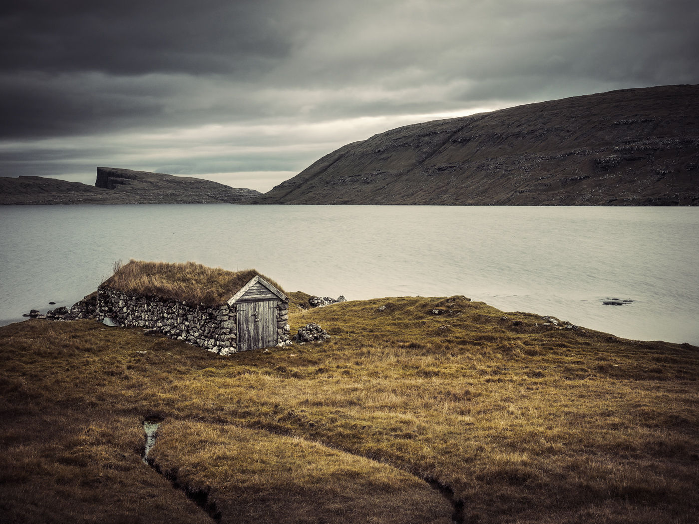AGENT MOLLY & CO: Stefan ISAKSSON - Faroe Islands