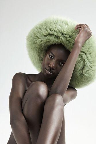 HILLE PHOTOGRAPHERS: Anja Boxhammer for L'Officiel