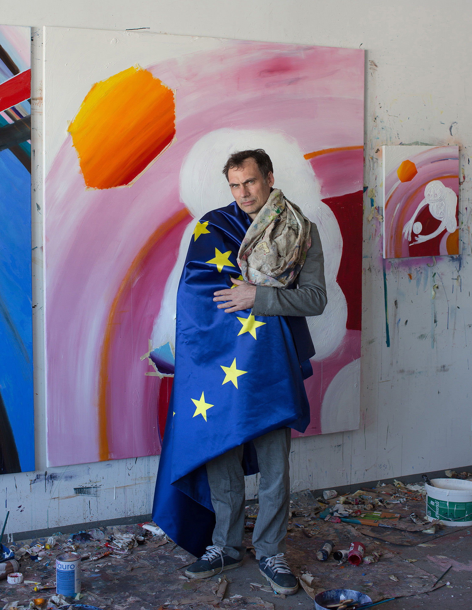 CHRISTA KLUBERT PHOTOGRAPHERS: OLIVER MARK WITH EUROPE FOR EUROPE