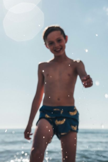 WILDFOX RUNNING: Feli&Pepita for The Little Revolution Magazine with 'Sandy Beach'