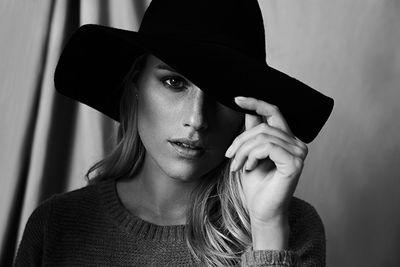 Vanessa Meisinger 007