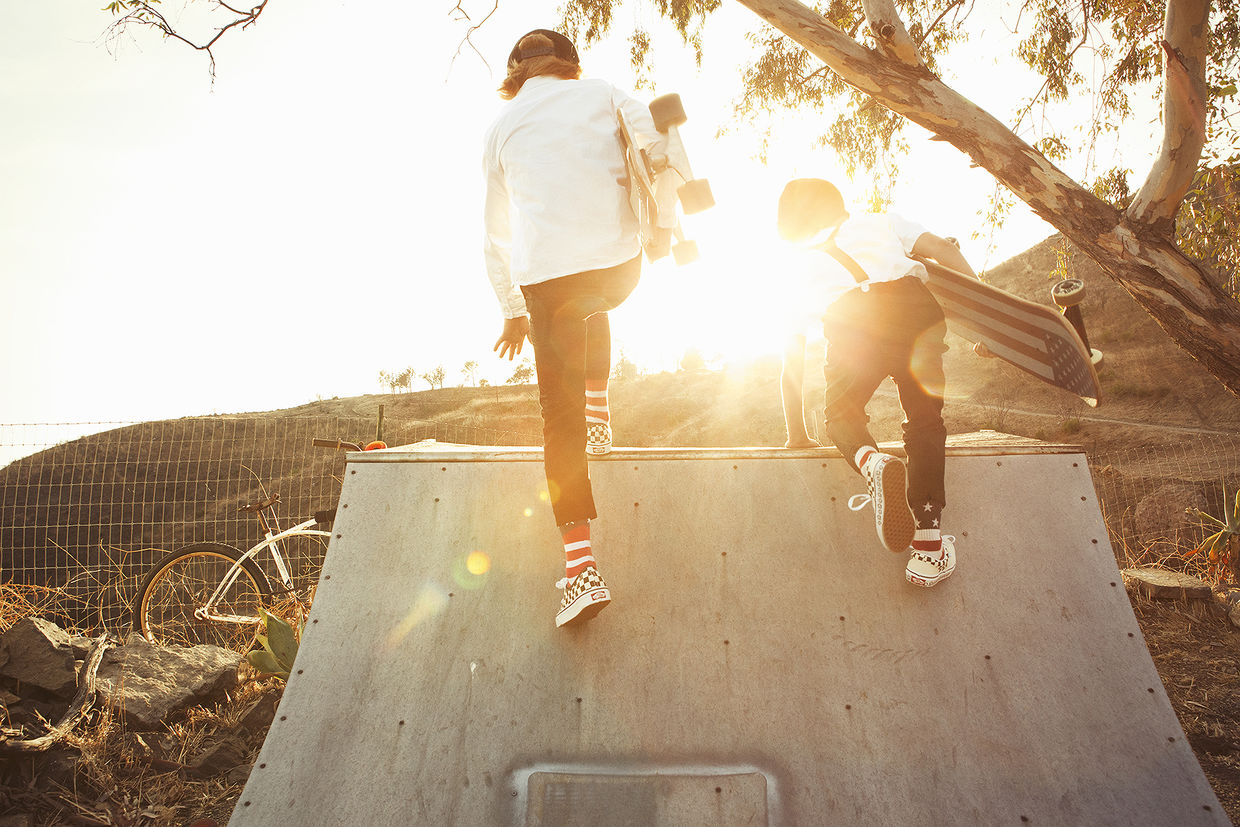 ALYSSA PIZER MANAGEMENT: Skate Along By Cheyenne Ellis