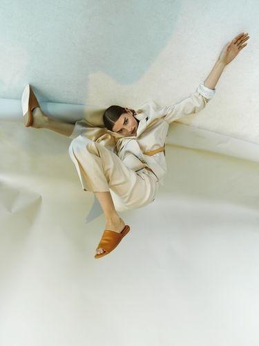 JANA KAPOUNOVA - FASHION STYLIST
