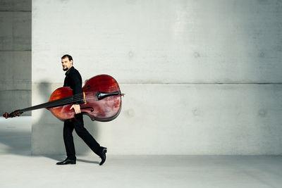 CHRISTA KLUBERT PHOTOGRAPHERS: TILLMANN FRANZEN AND THE WDR ORCHESTRA