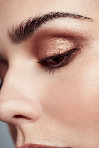 RETUSH CREATIVE RETOUCHING for DOUGLAS Beauty Advertisings