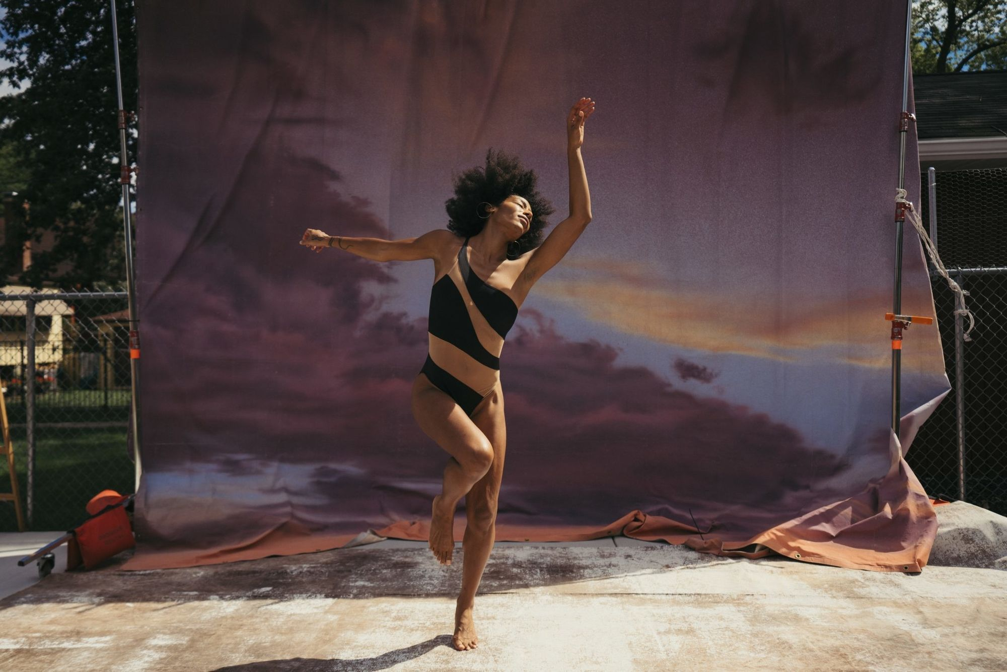 Marcus Smith c/o MAKING PICTURES collaborated with, choreographer and dancer, Rena Butler, for this personal series