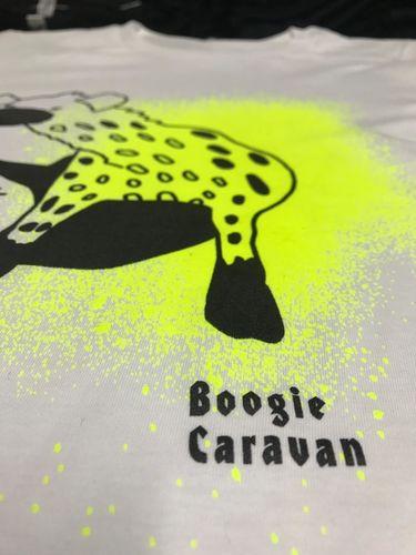 DESRES // BOOGIE CARAVAN T-SHIRT AND LOGO ILLUSTRATION
