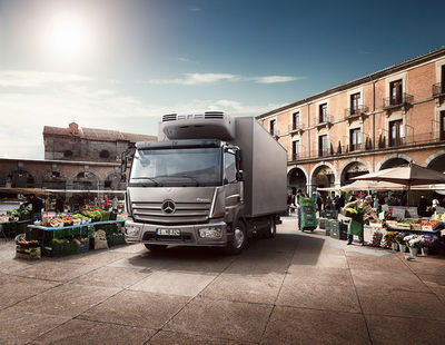 IMAGE NATION S.L. for MERCEDES-BENZ ATEGO