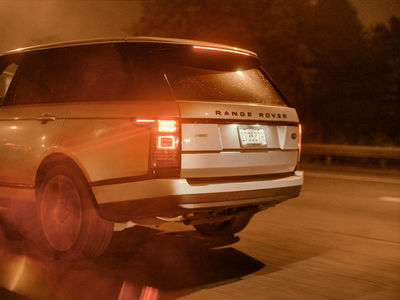 EMEIS DEUBEL: Boerge Sierigk - Range Rover in New York