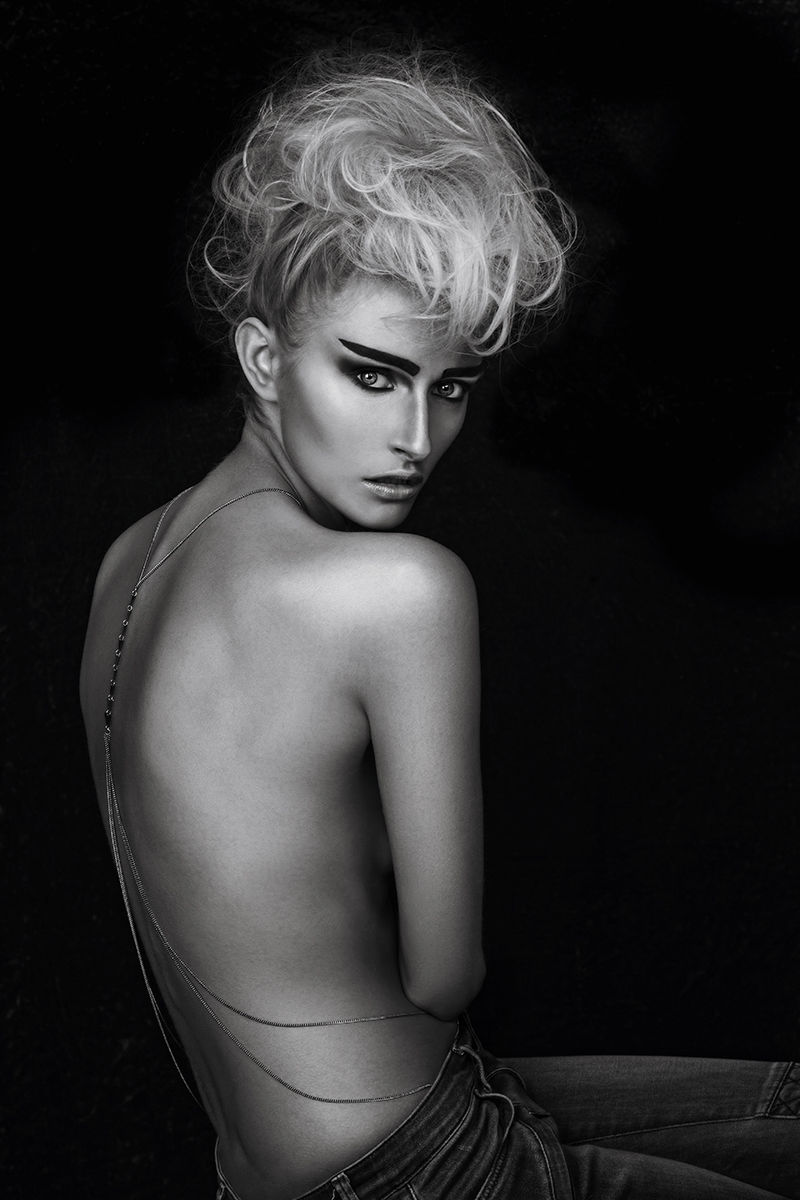 AGENTUR ROUGE  New Entry Hair and Make up  - Michaela Kireta