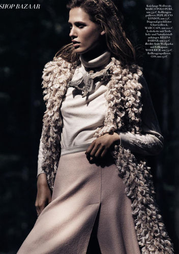 BALLSAAL : Denise GRUNDMANN (Make-up) for HARPER'S BAZAAR Germany