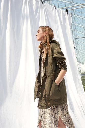 HILLE PHOTOGRAPHERS: Photographer JOHANNES GRAF for SET Fashion