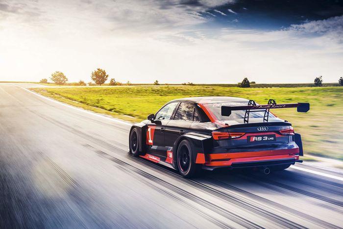 Audi RS3 LMS für Audi Sport
