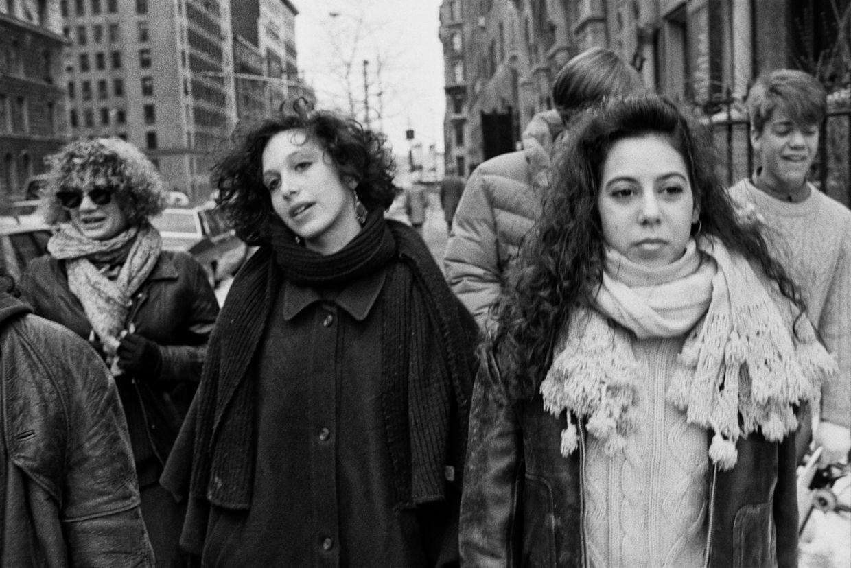 Karen Marshall 'Between Girls' / KEHRER VERLAG