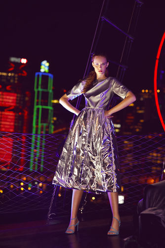 ANDREA HEBERGER GMBH: Tanja Tremel - Fashion Shooting in Hong Kong