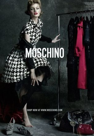 MUNICH MODELS : CONSTANCE Jablonski for MOSCHINO