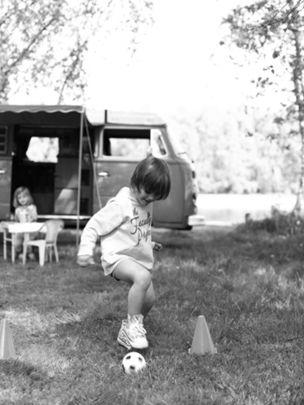 ROCKENFELLER & GOEBELS : Svenja KAUFMANN for KINDEREN